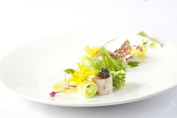 Kamchatka crab with dill mayonnaise and caviar sauce