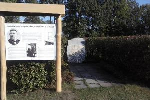 Memorial and information board to Captain Jõnn