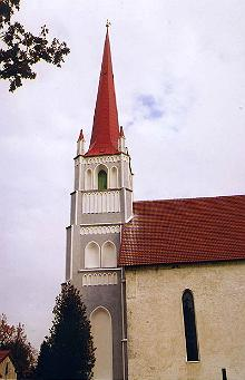 Die St. Martinskirche in Tri