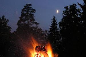 Jaaniöö (Midsummer Night) on the Varbola hill fort