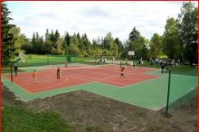 Luhtre farm tennis and basketball court