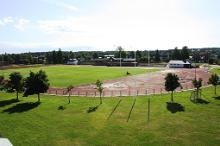 Das Sportgebude und das Stadion Haapsalu