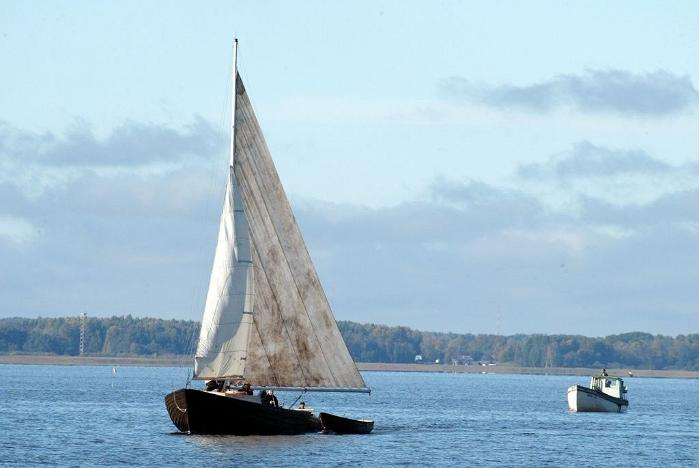 'Paula' sailing boat on Lake Võrtsjärv