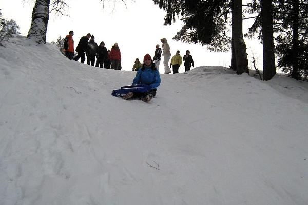 Sledding and snowtubing on Ojamäe Hill