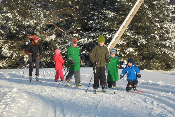 Weekend skiing school for children and adults