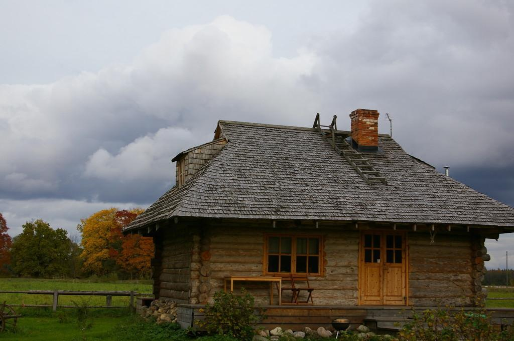 Riisa Ranch - log cabin