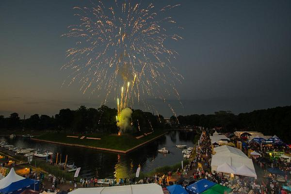 This is an old tradition at the Grillfest - both days of the festival end with spectacular fireworks.
