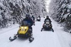 Snowmobile rental and organizing guided safaris on Lake Peipus!
