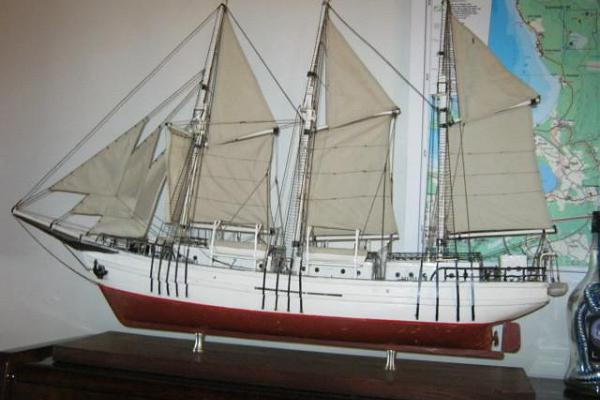 During the excursion we visit the Käsmu Maritime Museum