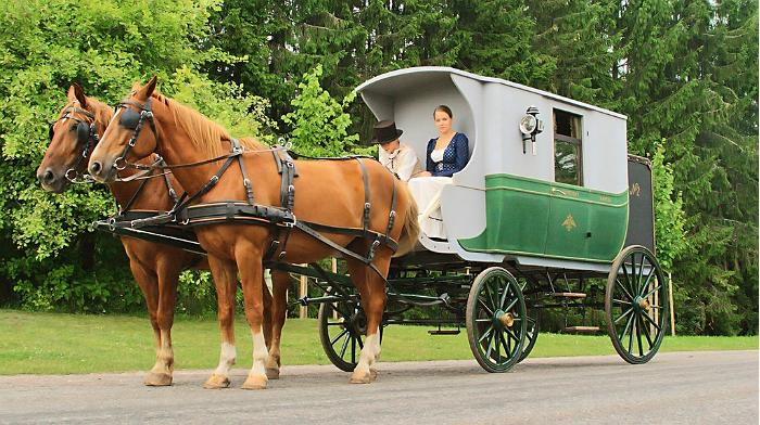 Two-horse stagecoach