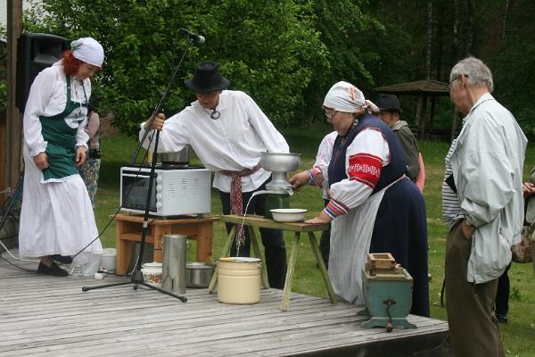 Sõir (curd cheese) Festival at the Seto Museum in 2015