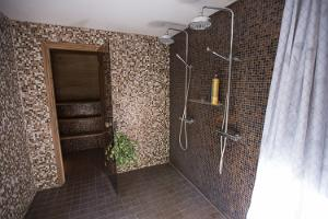 Shower room with direct access to a private terrace