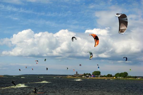 Kitesurfing and swimming at Vasikaholm beach