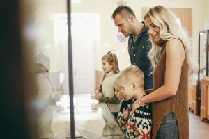 A family at the Tartu City Museum