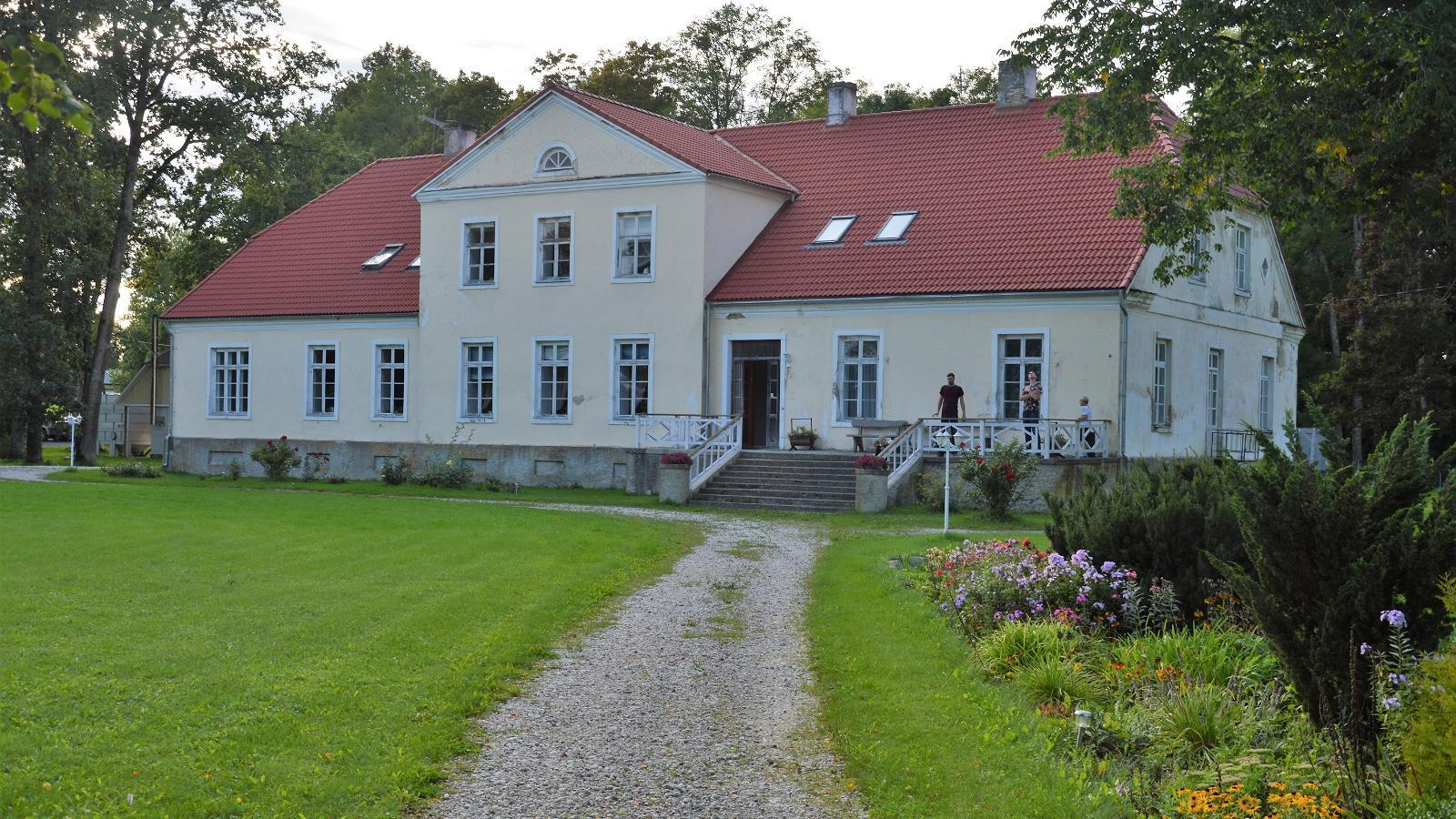 image Oidremaa Manor Guest Accommodation
