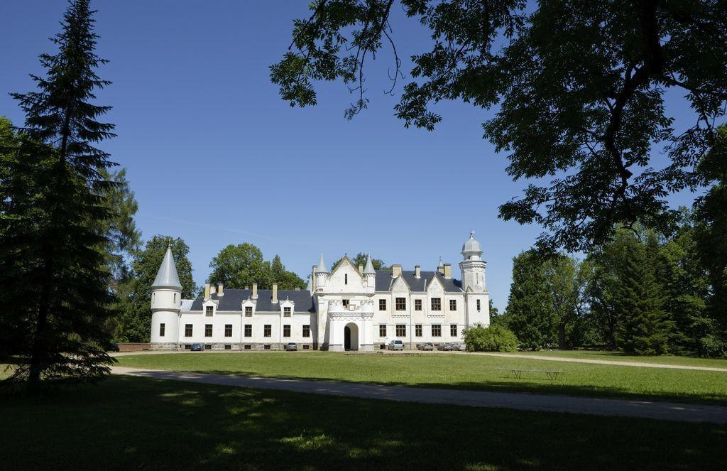 South Estonia Manor Tour