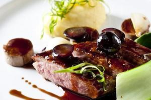 Duck breast with Sultan raisins