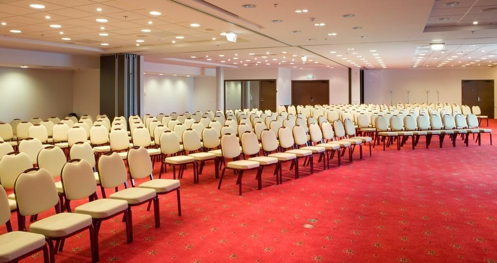 Meriton Grand Conference & Spa Hotel - konferenču telpa Peterson