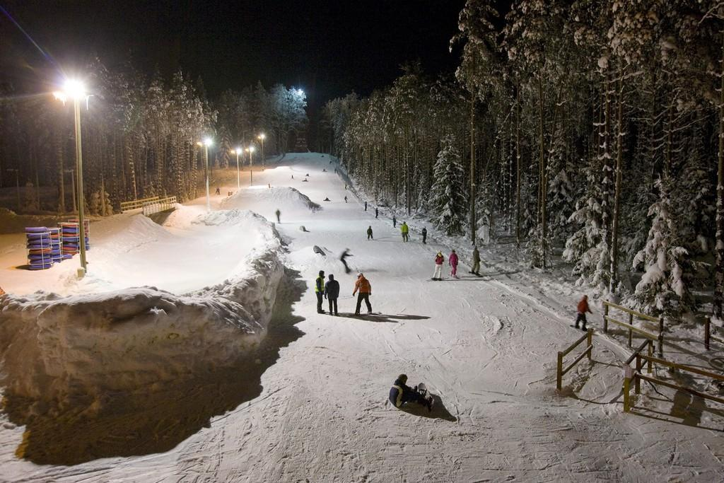 Illuminated slope on Valgehobusemäe