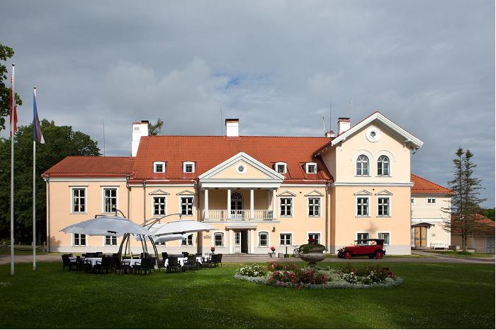 Vihula Manor Main Manor