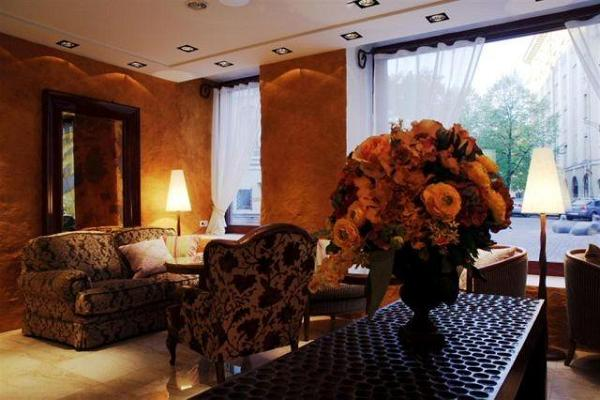 Savoy Boutique Hotel