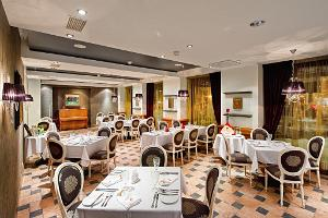 Balalaika restaurant at the Meriton Grand Conference & Spa Hotel