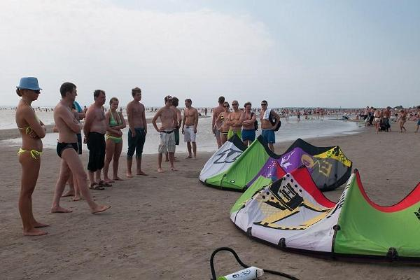 Kitesurfing training