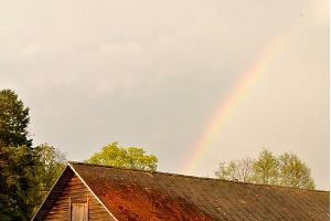 Rainbow over Jaanioja handicraft farm