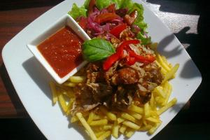 Pizzahunt kebab with French fries