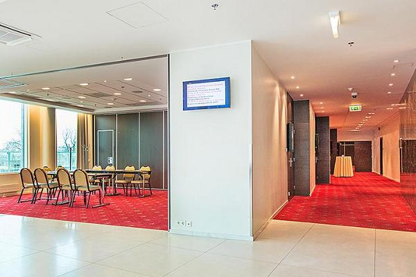 Meriton Grand Conference & Spa Hotel - the conference centre