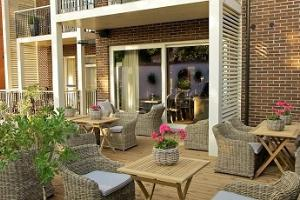 Outdoor terrace of the Frost Boutique Hotel