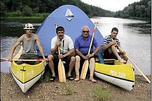 A rafting crew ideally consists of 4 people.