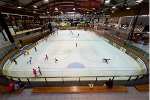Lõunakeskus shopping centre ice skating rink