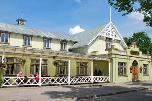 Restaurant Kuursaal - the biggest pub in Estonia