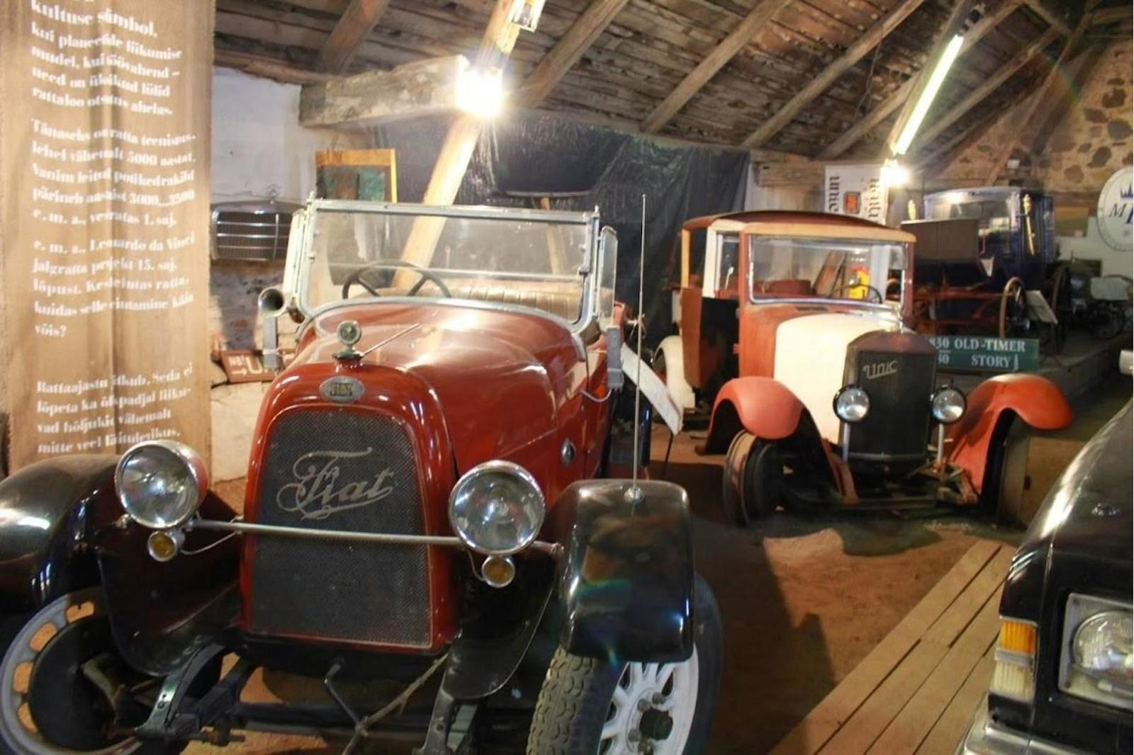 Kirsi Vintage Vehicle Museum in Virtsu - Oldtimer museum expo 1840 ...