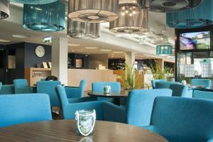 Отель Hestia Hotel Seaport, кафе Food&Baar