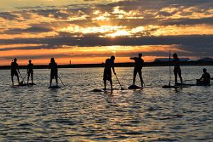 Uthyrning av Stand Up Paddle brädor (SUP) i Pärnus surfcentrum