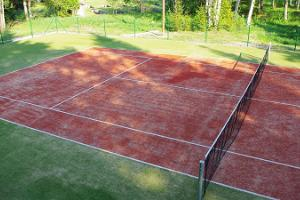 Tennis court at the Pidula Forell Holiday Village