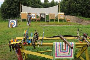 Shooting with the English longbow, a crossbow, and a compound bow