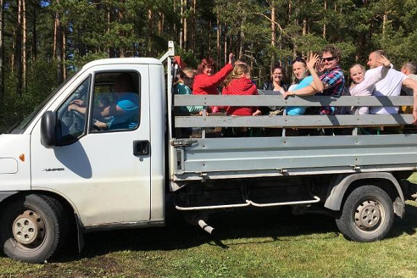 Puhka Kihnus offers: a guided tour of Kihnu Island in a truck car