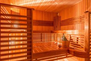 The sauna of Kernu Manor can seat up to 8 guests at once