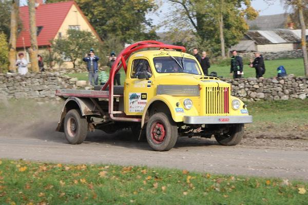 Saaremaa Rally - starting from the centre of Kuressaare