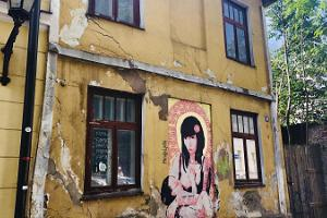 Street art tour in the Old Town of Tartu