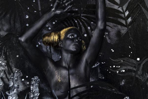 Dark, golden and multilayered – a symbolistic exhibition by Lina Iris Viktor in Fotografiska