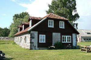 Pivarootsi Manor Guest House